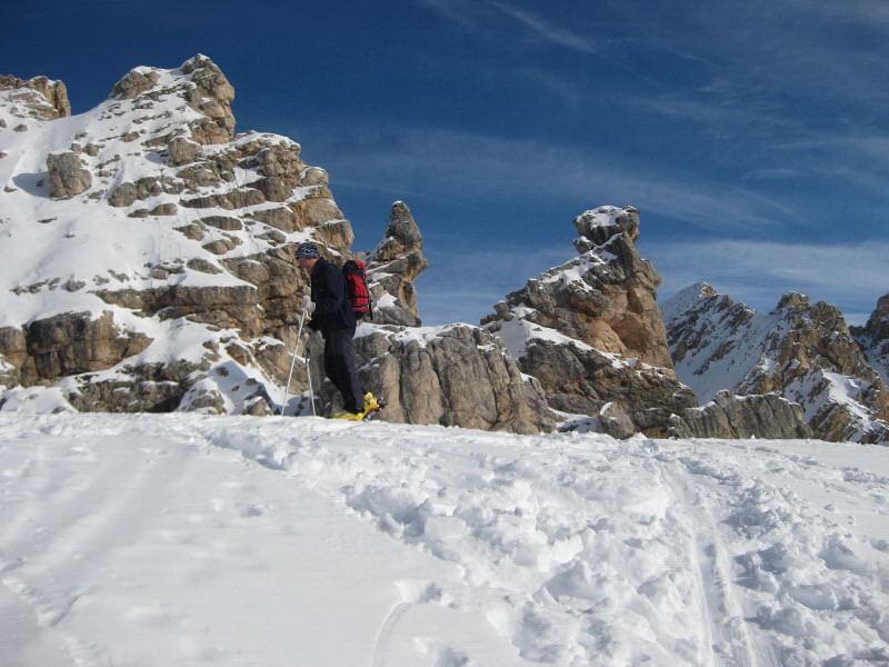Foto: Wolfgang Lauschensky / Ski Tour / Monte Sella di Fanes - Fanessattelspitze oder St.Antonispitze 2655m / Eingang ins St.Anton Tal vor den Eisengabelspitzen / 11.12.2009 09:41:48