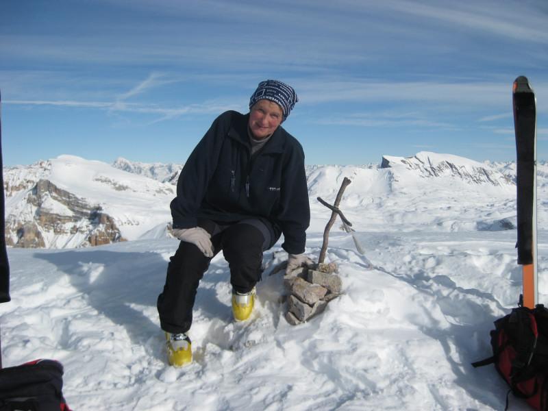 Foto: Wolfgang Lauschensky / Ski Tour / Monte Sella di Fanes - Fanessattelspitze oder St.Antonispitze 2655m / Fanessattelspitze, im Hintergrund der Monte Sella di Sennes und der Seekofel / 11.12.2009 09:40:45