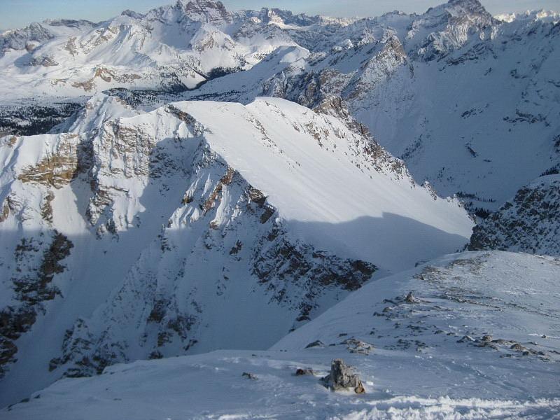 Foto: Wolfgang Lauschensky / Ski Tour / Monte Sella di Fanes - Fanessattelspitze oder St.Antonispitze 2655m / Antonispitze vom Neuner-Vorgipfel aus gesehen / 11.12.2009 09:40:29