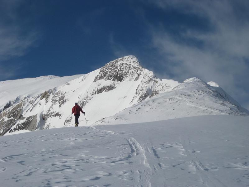 Foto: Wolfgang Lauschensky / Ski Tour / Sass dles Nö oder Neuner 2968m (Vorgipfel 2874m) / zum Neuner-Vorgipfel / 11.12.2009 20:20:14