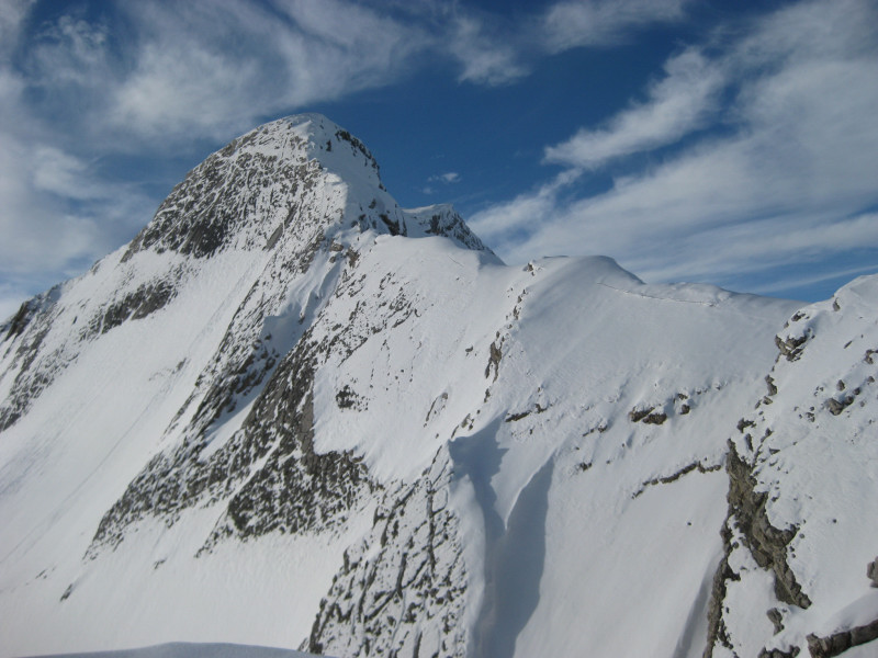 Foto: Wolfgang Lauschensky / Ski Tour / Sass dles Nö oder Neuner 2968m (Vorgipfel 2874m) / nicht immer durchführbarer sehr alpiner Ostgratanstieg zum Hauptgipfel / 11.12.2009 20:19:59