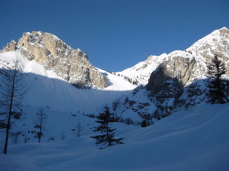 Foto: Wolfgang Lauschensky / Ski Tour / Äußere Eisengabelspitze = Dont de Furcia dai Fers de Fora 2534m / Einstieg ins Hochtal / 11.12.2009 20:55:51