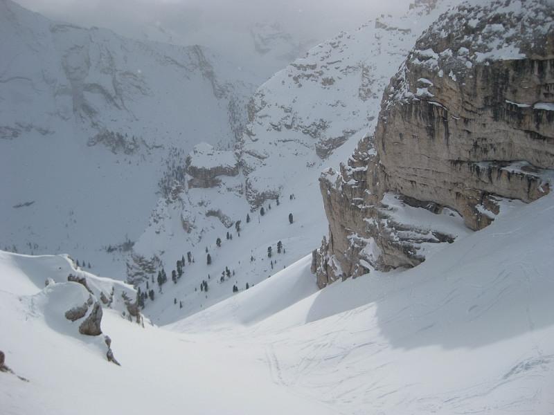Foto: Wolfgang Lauschensky / Ski Tour / Äußere Eisengabelspitze = Dont de Furcia dai Fers de Fora 2534m / die steile Südrinne zum Ostgrat / 11.12.2009 20:55:36