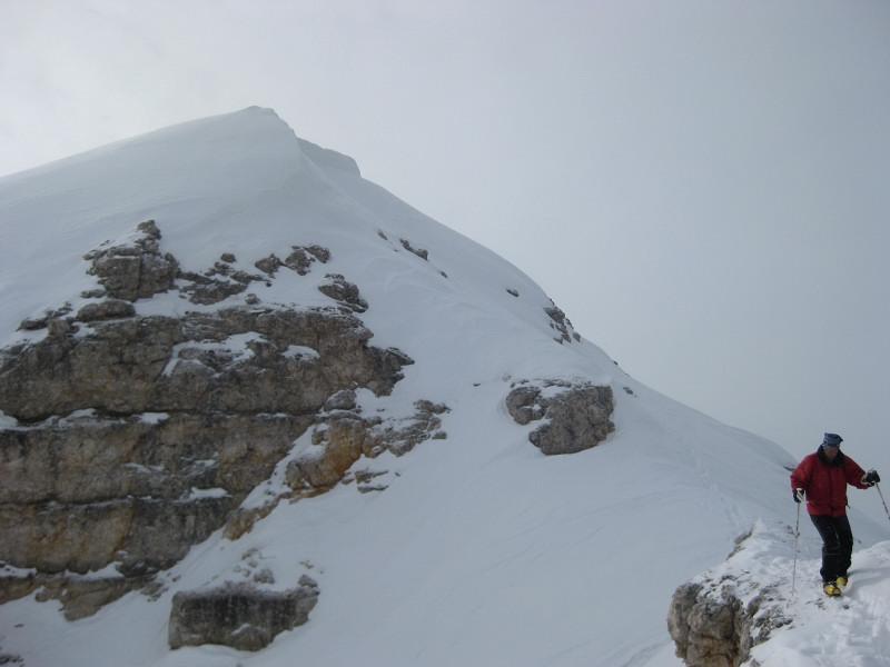 Foto: Wolfgang Lauschensky / Ski Tour / Äußere Eisengabelspitze = Dont de Furcia dai Fers de Fora 2534m / Gipfelabstieg / 11.12.2009 20:55:08