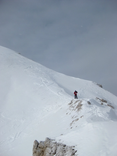 Foto: Wolfgang Lauschensky / Ski Tour / Äußere Eisengabelspitze = Dont de Furcia dai Fers de Fora 2534m / in der Ostgratscharte / 11.12.2009 20:54:37