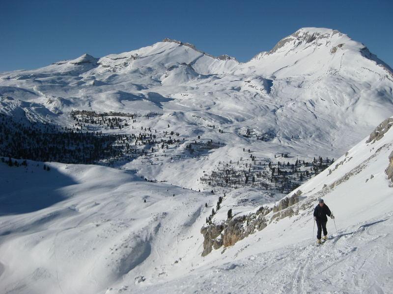Foto: Wolfgang Lauschensky / Ski Tour / Pareispitze oder Col Bechei Dessora 2794m / über dem Limojoch - Heiligkreuzkofel-Zehner-Neuner / 12.12.2009 12:05:46