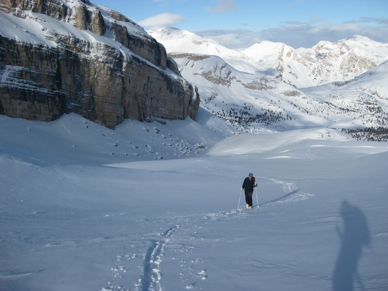 Foto: Wolfgang Lauschensky / Ski Tour / Monte Casale 2707m (oder Bivaccio di Monte Castello) / liebliches weites Vallon bianco / 12.12.2009 14:52:24