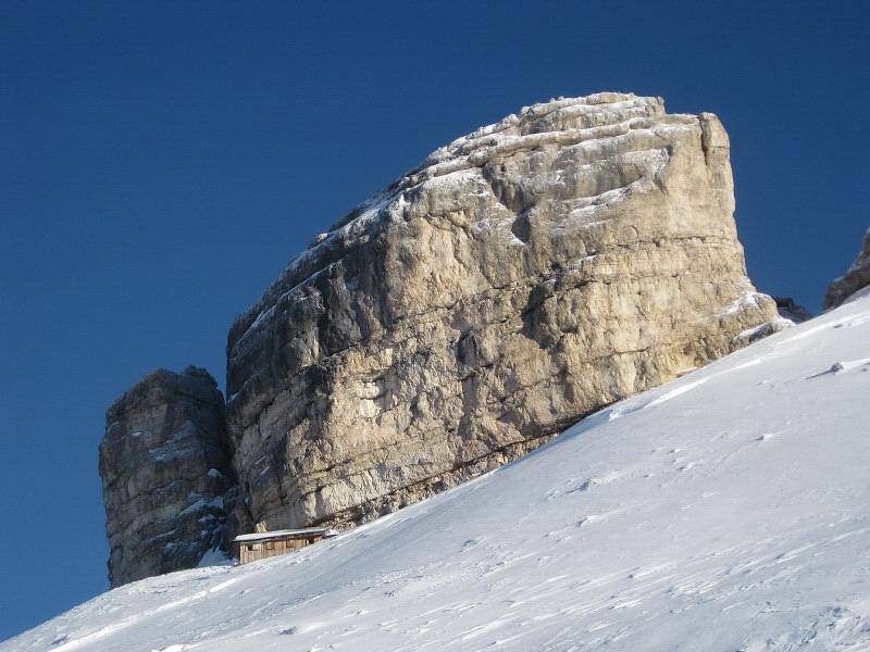 Foto: Wolfgang Lauschensky / Ski Tour / Monte Casale 2707m (oder Bivaccio di Monte Castello) / Bivaccio della Pace di Monte Castello / 12.12.2009 14:50:24