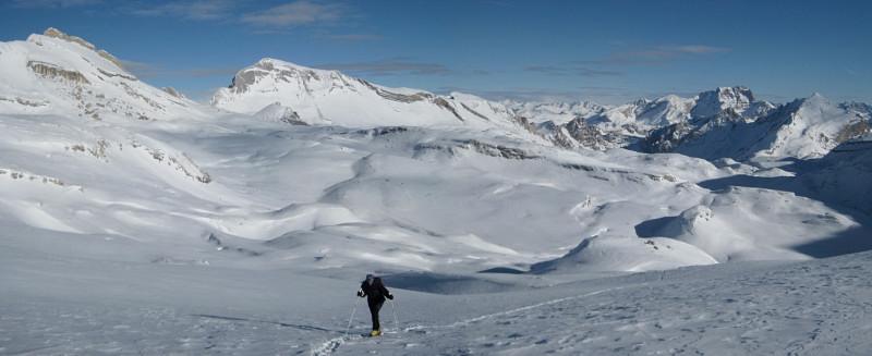 Foto: Wolfgang Lauschensky / Ski Tour / Heiligkreuzkofel 2907m (Piz dal Ciaval) / Nordumrahmung des Kleinfaneskessels: Zehner, Neuner, Eisengabelspitzen, Pareispitze / 12.12.2009 15:45:34