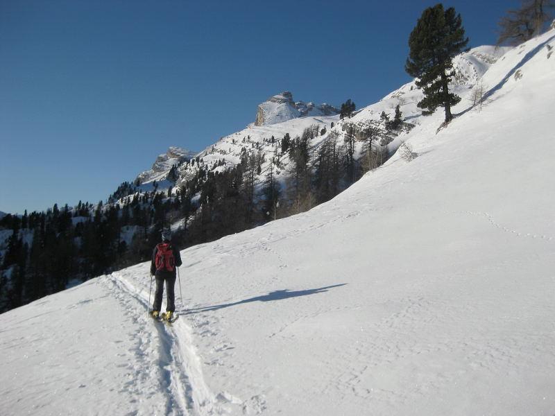 Foto: Wolfgang Lauschensky / Ski Tour / Lavarella 3055m (La Varella) / Taibunspitze / 12.12.2009 16:53:28