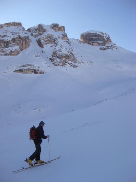 Foto: Wolfgang Lauschensky / Ski Tour / Lavarella 3055m (La Varella) / Conturinesspitze und Zweischartenspitze (Alternativgipfel zur Lavarella) / 12.12.2009 16:53:10