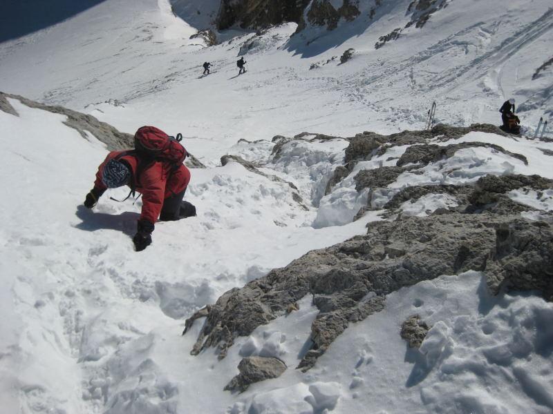 Foto: Wolfgang Lauschensky / Ski Tour / Lavarella 3055m (La Varella) / leichte Kletterei überm Schidepot / 12.12.2009 16:52:31