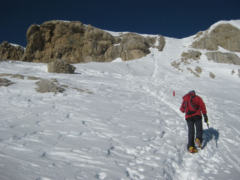 Foto: Wolfgang Lauschensky / Ski Tour / Lavarella 3055m (La Varella) / Südrücken zur Scharte zwischen West- und Hauptgipfel / 12.12.2009 16:52:19