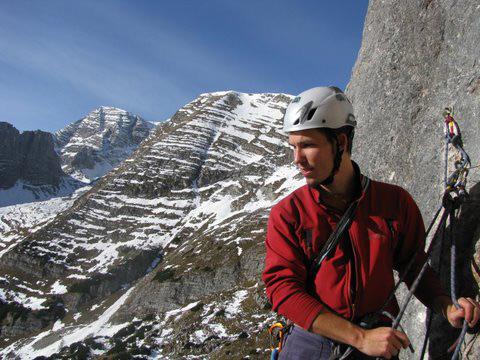 Foto: schrutkaBua / Kletter Tour / Rote Wand, Winterfit / 5. Stand, im Hintergrund Warscheneck / 12.12.2009 17:06:40