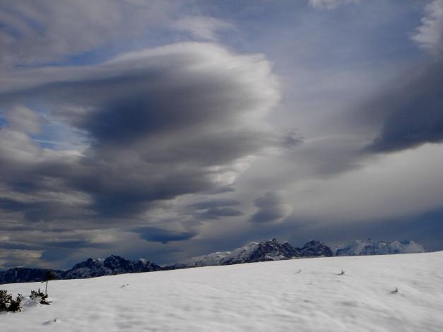 Foto: Manfred Karl / Ski Tour / Von der Winklmoosalm zur Steinplatte / Föhnstimmung beim Aufstieg zur Steinplatte / 13.12.2009 17:38:48