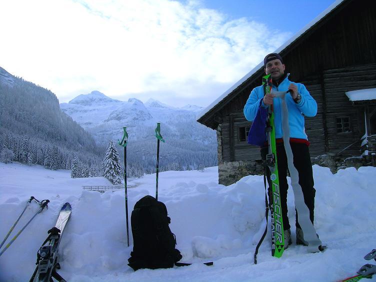 Foto: Andreas Koller / Ski Tour / Direkter Anstieg auf den Hengst (2076 m) / Ausgangspunkt: Vordergnadenalm / 15.12.2009 21:10:54