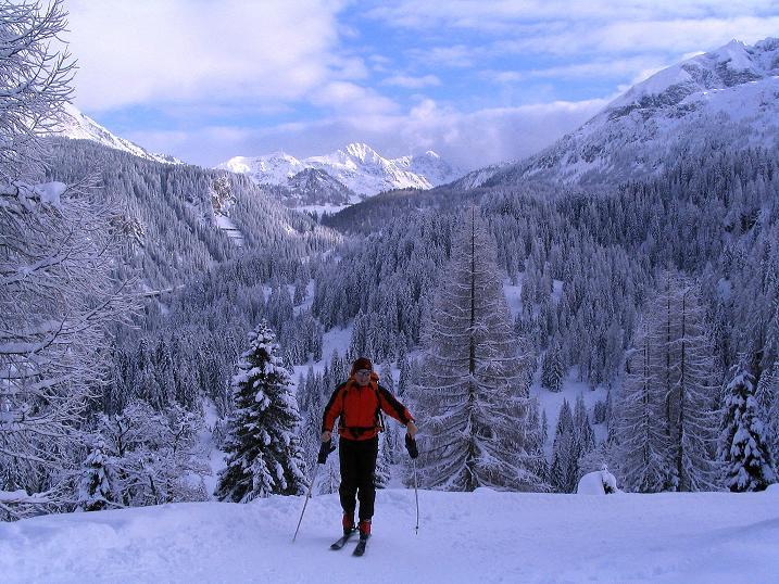 Foto: Andreas Koller / Ski Tour / Direkter Anstieg auf den Hengst (2076 m) / 15.12.2009 21:08:20