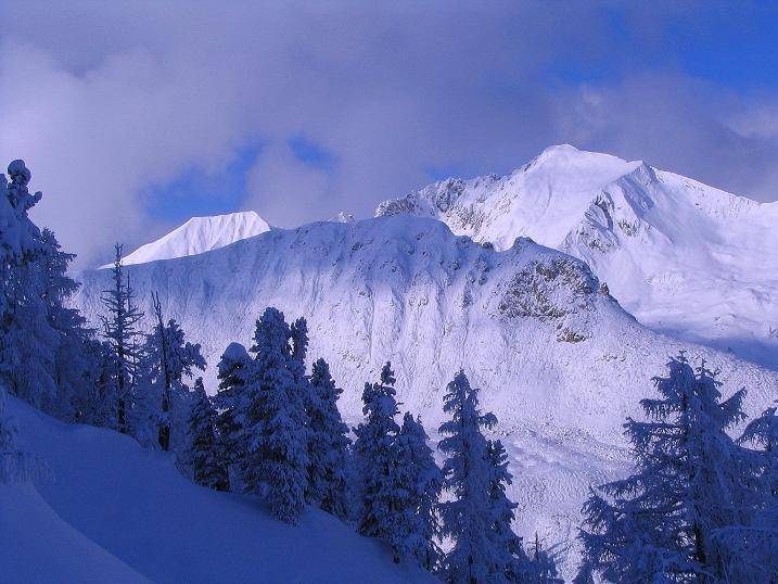 Foto: Andreas Koller / Ski Tour / Direkter Anstieg auf den Hengst (2076 m) / Blick zur Steinfeldspitze (2344 m) / 15.12.2009 21:05:35