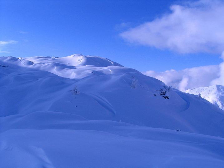 Foto: Andreas Koller / Ski Tour / Direkter Anstieg auf den Hengst (2076 m) / Die weiten O-Hänge des Hengst / 15.12.2009 21:04:40