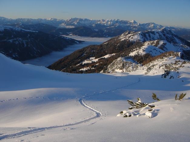 Foto: Manfred Karl / Ski Tour / Von Zauchensee auf das Tagweideck / Blick übers Flachautal zum Tennengebirge / 12.01.2010 20:19:50