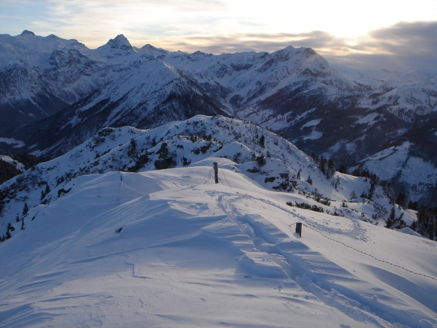 Foto: Manfred Karl / Ski Tour / Von Flachauwinkl auf den Vorderkogel / Beim Übergang zum Hauptgipfel / 17.12.2009 20:27:36