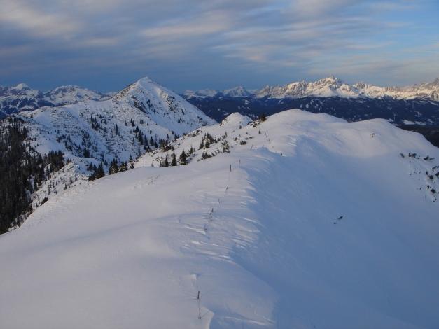 Foto: Manfred Karl / Ski Tour / Von Flachauwinkl auf den Vorderkogel / Lohnend ist auch die Höhenwanderung vom Vorder- zum Lackenkogel / 17.12.2009 20:26:01