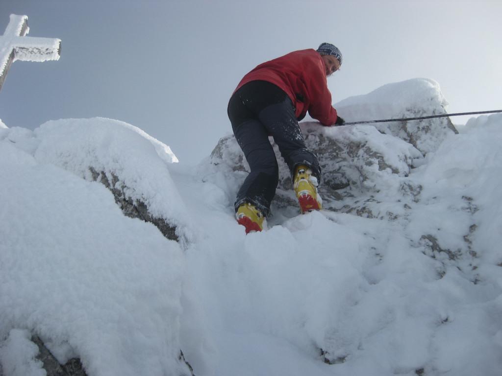 Foto: Wolfgang Lauschensky / Ski Tour / Pfaffenkegel 1837m, Torrenerjoch / Schwierigkeit A-B im Winter bei vereistem Fels oder Seil eventuell heikler / 16.12.2009 18:47:01