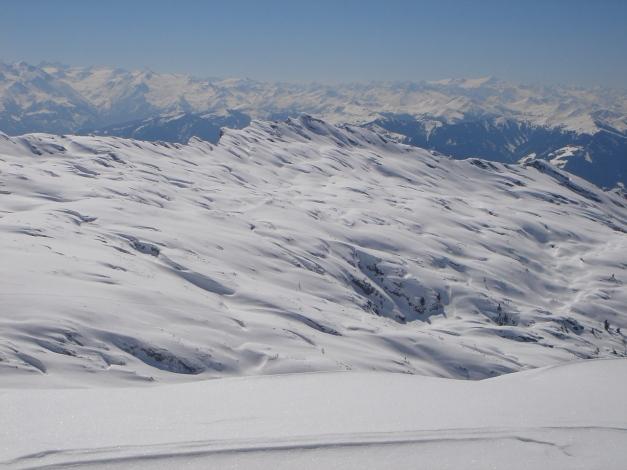 """Foto: Manfred Karl / Ski Tour / Hundstodreib´n """"von hint´ her"""" / Blick über den Finsterbachkopf in die Hohen Tauern / 24.12.2009 22:36:05"""
