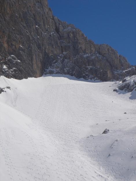 """Foto: Manfred Karl / Ski Tour / Hundstodreib´n """"von hint´ her"""" / Der Steilhang unter der Hundstod Westwand / 24.12.2009 22:34:56"""