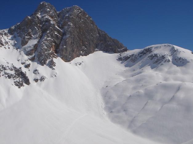 """Foto: Manfred Karl / Ski Tour / Hundstodreib´n """"von hint´ her"""" / Hundstod mit der Abfahrt in die Hochwies / 19.12.2009 15:49:15"""