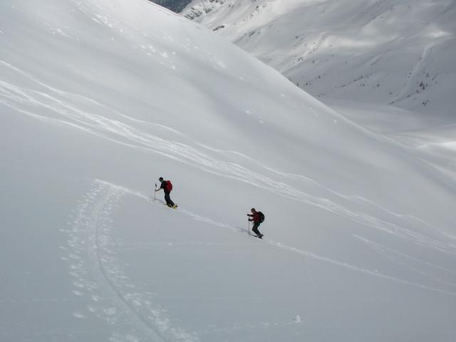 Foto: Wolfgang Lauschensky / Skitour / Glingspitze 2433m über Kreuzeck 2204m / Gegenanstieg zum Kreuzeck / 22.12.2009 17:21:03