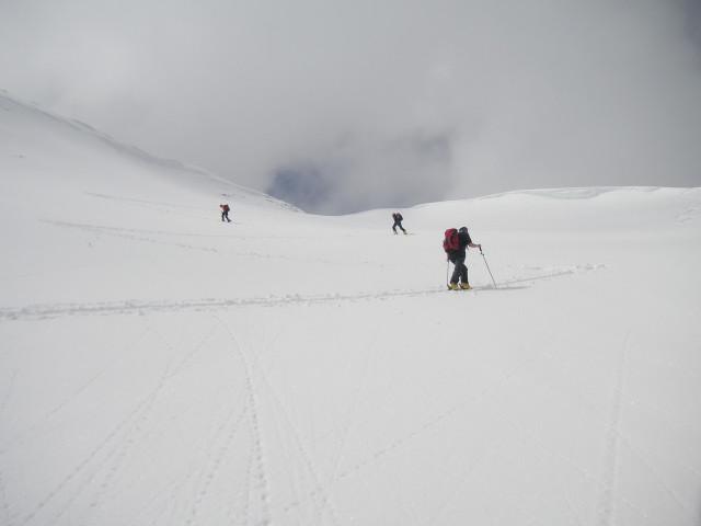 Foto: Wolfgang Lauschensky / Skitour / Glingspitze 2433m über Kreuzeck 2204m / unterm Kreuzeckgipfel / 22.12.2009 17:20:52