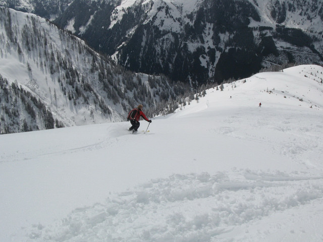 Foto: Wolfgang Lauschensky / Skitour / Glingspitze 2433m über Kreuzeck 2204m / Südwestrücken zur Ragglalm / 22.12.2009 17:20:27
