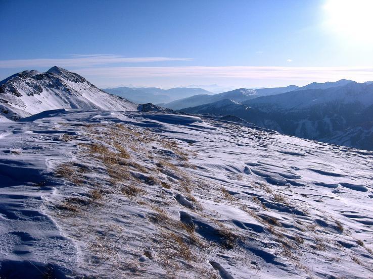 Foto: Andreas Koller / Ski Tour / Lungauer Grattour (2355 m) / Im S hinter dem Speiereck (2411 m) die Karawanken / 22.12.2009 23:41:22