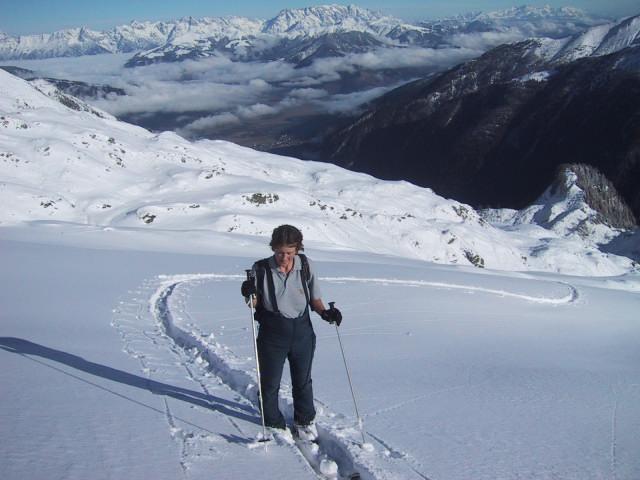 Foto: Wolfgang Lauschensky / Skitour / Tristkogel 2642m / freiere Hänge unterm Gipfel - Zellerseenebel / 24.12.2009 17:29:55