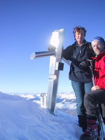 Foto: Wolfgang Lauschensky / Skitour / Tristkogel 2642m / ein schönes Kreuz für einen unbedeutenden Gipfel / 24.12.2009 17:29:00