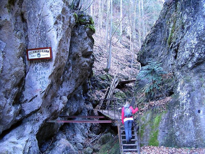 Foto: Andreas Koller / Klettersteigtour / Rudolf-Decker-Steig (720 m) / Zustieg durch die Steinwandklamm / 27.12.2009 01:55:17