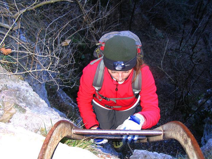 Foto: Andreas Koller / Klettersteigtour / Rudolf-Decker-Steig (720 m) / Ende der langen Leiter / 27.12.2009 01:51:59