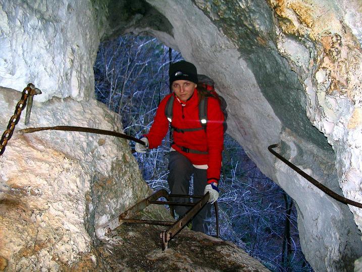 Foto: Andreas Koller / Klettersteigtour / Rudolf-Decker-Steig (720 m) / Im Windschützenloch / 27.12.2009 01:51:44