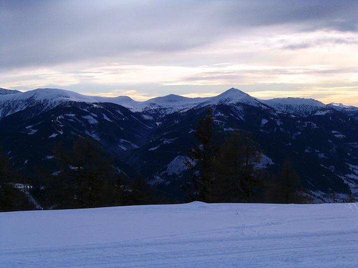 Foto: Andreas Koller / Skitour / Rundtour Stubeck (2370 m) / Die Nockberge im O / 01.01.2010 20:31:17