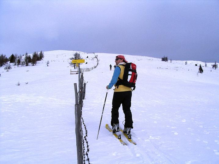 Foto: Andreas Koller / Skitour / Rundtour Stubeck (2370 m) / Aufstieg immer entlang eines Zauns / 01.01.2010 20:30:48