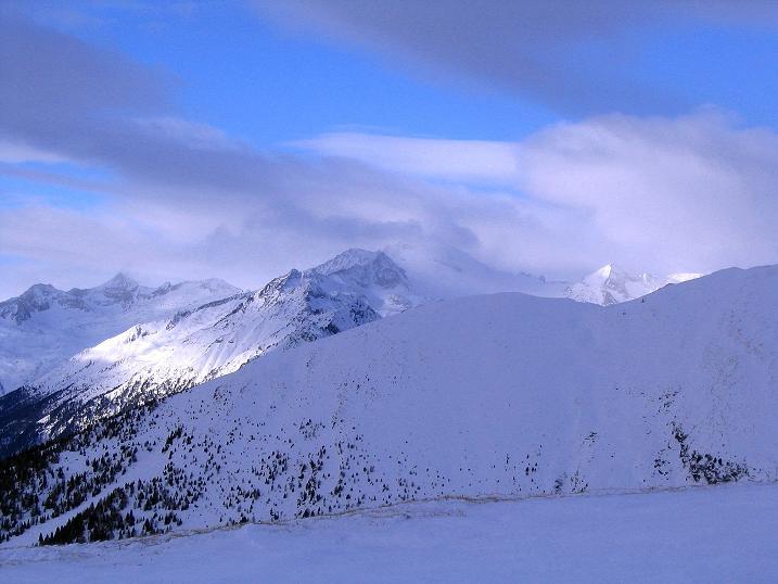 Foto: Andreas Koller / Skitour / Rundtour Stubeck (2370 m) / Blick Richtung Hochalmspitze (3360 m) / 01.01.2010 20:23:57