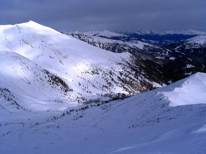 Foto: Andreas Koller / Skitour / Rundtour Stubeck (2370 m) / Sternspitze (2497 m) mit deren Aufstiegsroute aus dem Graben / 01.01.2010 20:05:53