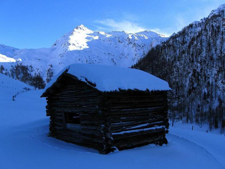 Foto: Andreas Koller / Ski Tour / Aus dem Astental auf den Stellkopf (2851 m) / Maggernigspitze (2640 m) / 01.01.2010 21:56:50