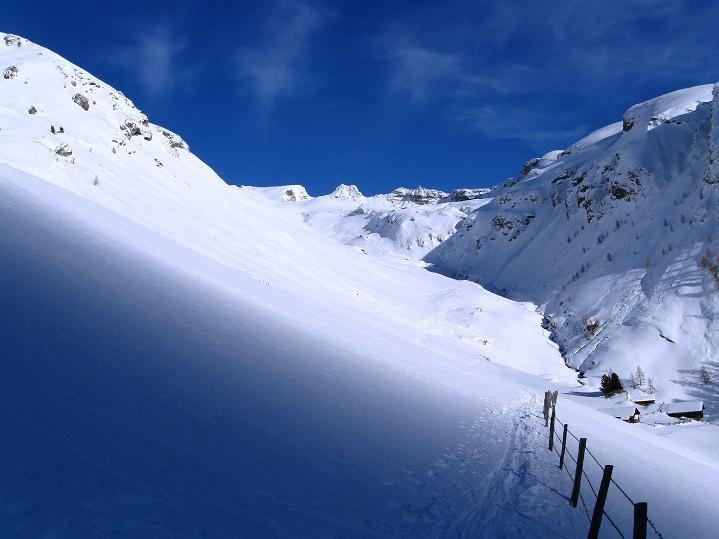 Foto: Andreas Koller / Ski Tour / Aus dem Astental auf den Stellkopf (2851 m) / Der Graben des Rudentals / 01.01.2010 21:55:36