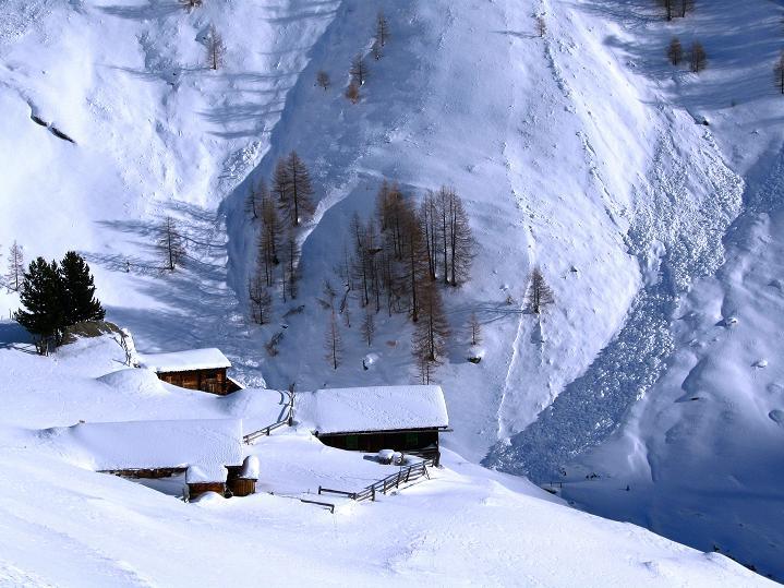Foto: Andreas Koller / Ski Tour / Aus dem Astental auf den Stellkopf (2851 m) / Kröllalm (1961 m) / 01.01.2010 21:52:13