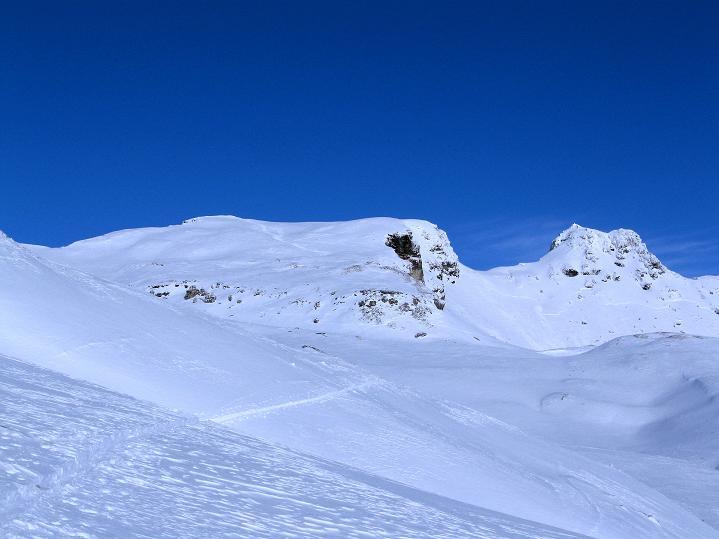 Foto: Andreas Koller / Ski Tour / Aus dem Astental auf den Stellkopf (2851 m) / Krahköpfe (2847 m) und die Rote Wand (2855 m) / 01.01.2010 21:47:15
