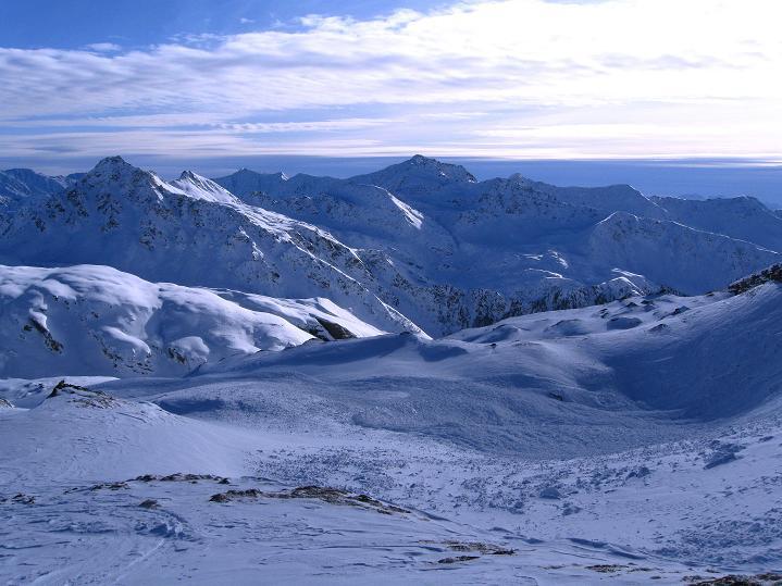 Foto: Andreas Koller / Ski Tour / Aus dem Astental auf den Stellkopf (2851 m) / Blick nach S in die Dolomiten / 01.01.2010 21:38:04