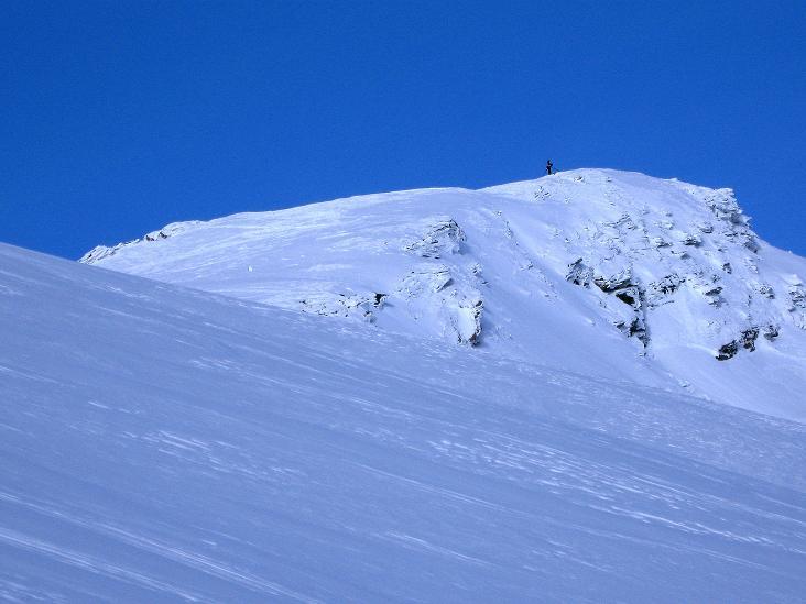Foto: Andreas Koller / Ski Tour / Aus dem Astental auf den Stellkopf (2851 m) / Der Stellkopf scheint sehr nahe / 01.01.2010 21:35:16