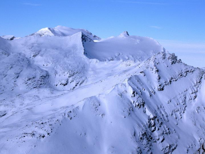 Foto: Andreas Koller / Ski Tour / Aus dem Astental auf den Stellkopf (2851 m) / Blick vom Stellkopf zu Hocharn (3253 m) und Hohem Sonnblick (3106 m) / 01.01.2010 21:30:15